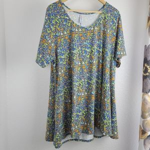 Perfect t lularoe plus size shirt
